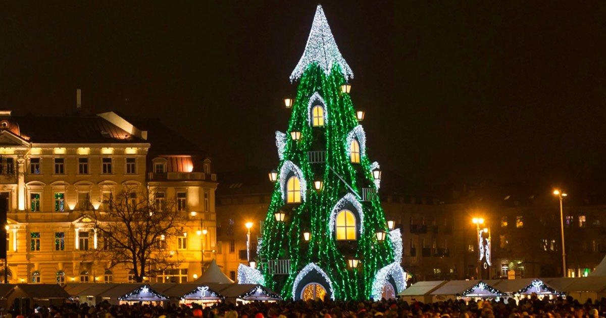 5 175.jpg?resize=1200,630 - Los 11 árboles de Navidad más vistosos del mundo