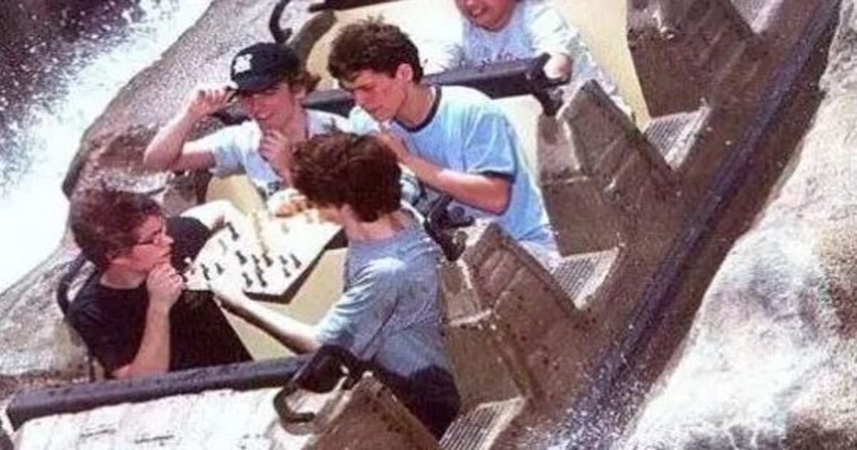 9 14.jpg?resize=412,275 - The 26 Most Epic Roller Coaster Photos of All Time