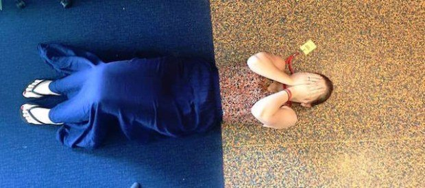 24 Funny Photos Of People Who Accidentally Dressed Like Their Surroundings. #5 Is TheBest Ever.