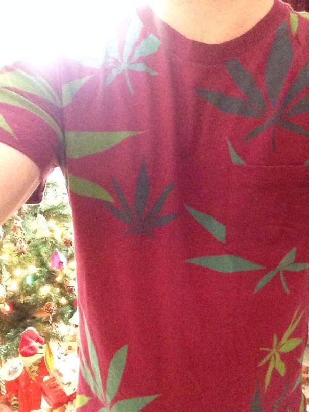 "My 90-year-old Grandmother Got Me A ""hawaiian Print T-shirt"" For Christmas"