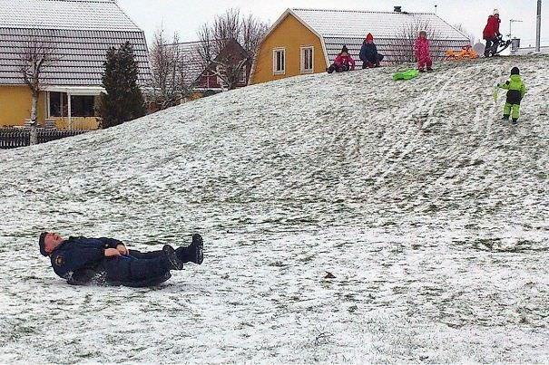 Yesterday A Swedish Police Officer Borrowed A Snow Sled From Some Neighborhood Kids
