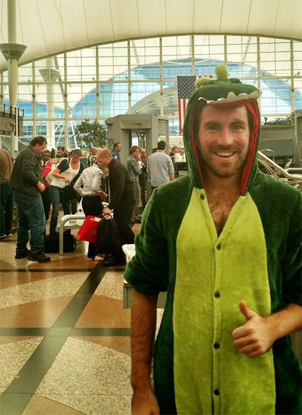 Lost A Bet And Had To Go Through Airport Security Dressed As A Dinosaur. TSA Said I Looked Cute