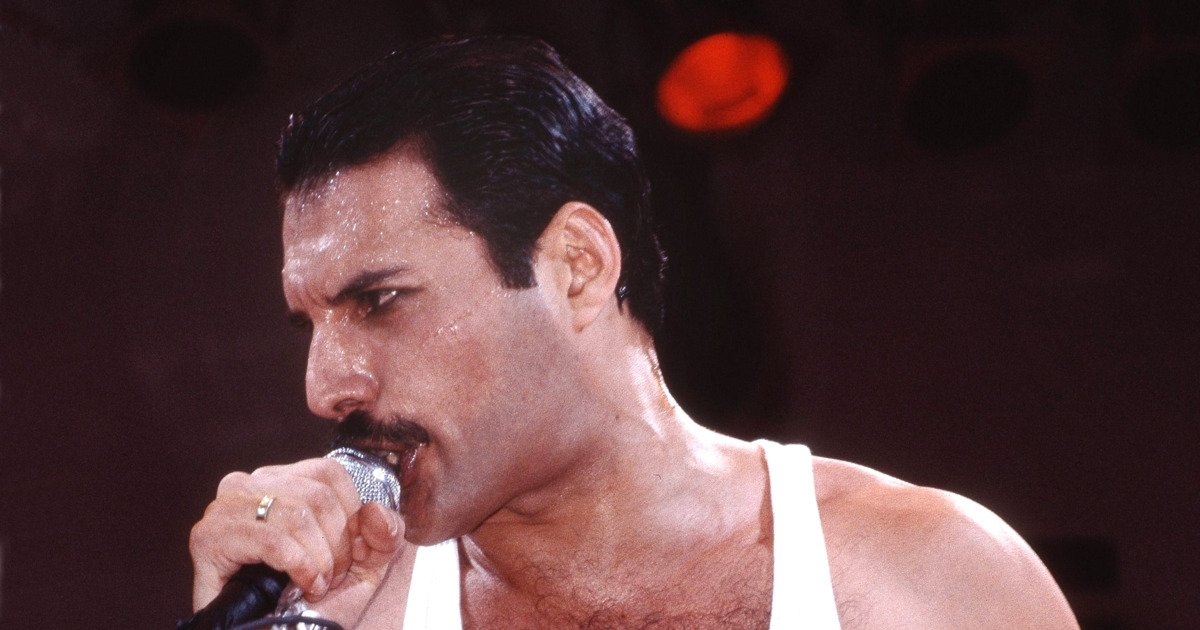 a 18.jpg?resize=1200,630 - Scientists Say Freddie Mercury Is The Greatest Singer Ever