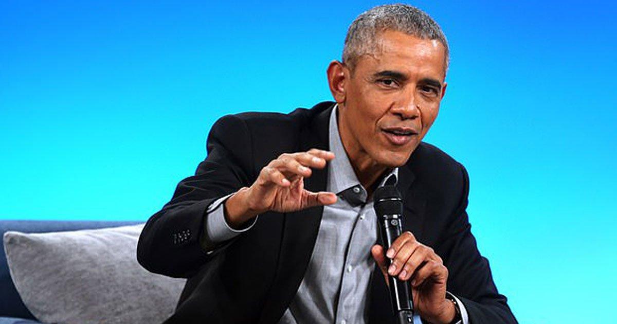 """barack obama.jpg?resize=412,232 - Barack Obama parle de Donald Trump comme un raciste confus et en colère qui a des """"problèmes avec sa mère"""""""