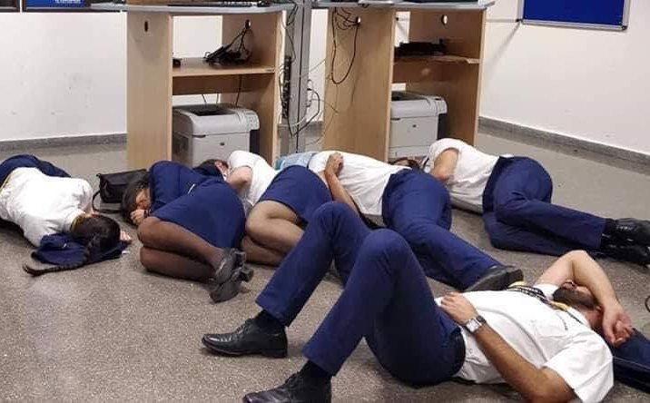 capture decran 2018 11 08 a 11 54 46.png?resize=1200,630 - Six employés Ryanair licencié suite à la publication d'une photo mise en scène.