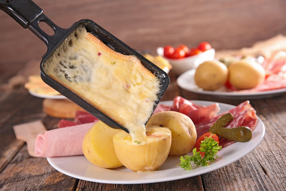 depositphotos 86235480 m 2015.jpg?resize=1200,630 - Paris : ce restaurant propose des raclettes à volonté pour 18 euros