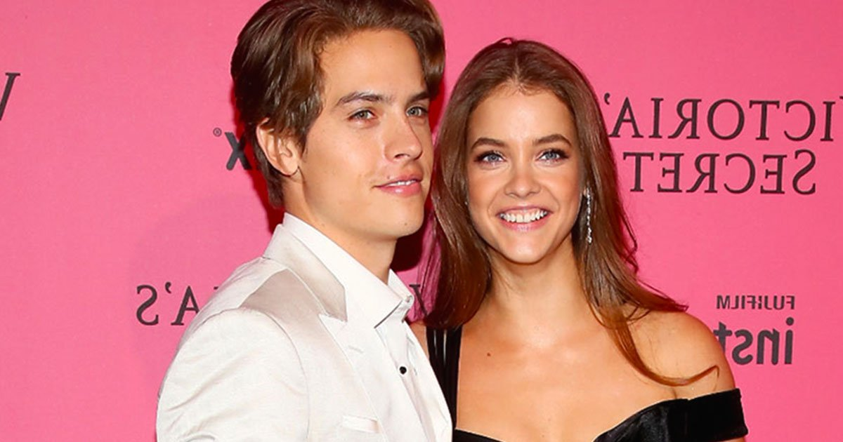 dylan sprouse is the biggest fan of his girlfriend barbara palvin as he gave her standing ovation at the victorias secret fashion show.jpg?resize=412,232 - Dylan Sprouse est le plus grand fan de sa petite amie Barbara Palvin et l'applaudie au défilé de mode de Victoria's Secret