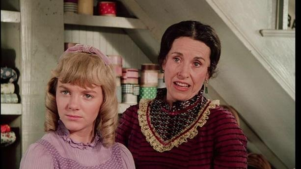 """harrietteolesn bf0e6b 01x.jpeg?resize=300,169 - Katherine MacGregor alias Harriet Oleson dans la série """"La Petite Maison dans la prairie"""" est morte."""
