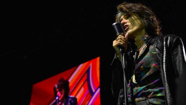 img 5beed24162b3d.png?resize=412,232 - Joe Perry d'Aerosmith a été hospitalisé pour des problèmes respiratoires après avoir joué avec Billy Joel.