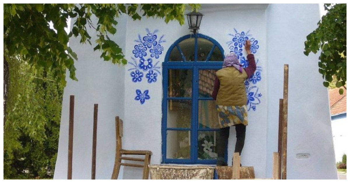 old lady.jpg?resize=412,232 - 90-Year-Old Grandma Painted Floral Patterns On The Outside Of Houses In Her Little Village For Fun