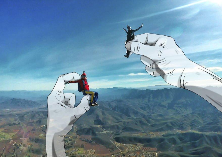 photos parachutisme mains geantes 4.jpg?resize=412,232 - Il agrémente ses photos de parachutismes grâce au dessin!