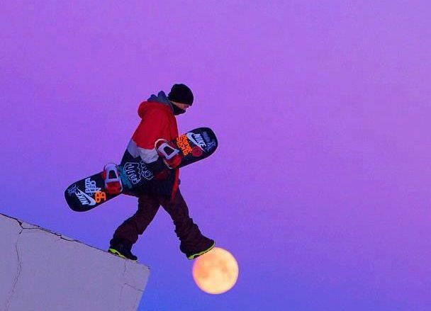 snowboarder walking on moon perfect timing e1550221183893.jpg?resize=574,582 - The Most Perfectly Timed Photos Ever, No Photoshop!