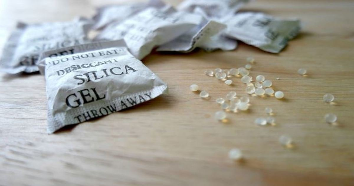 4 34.jpg?resize=412,232 - 22 Reasons to Stop Throwing Out Those Tiny Packets of Silica Gel. I Had No Idea About #17.