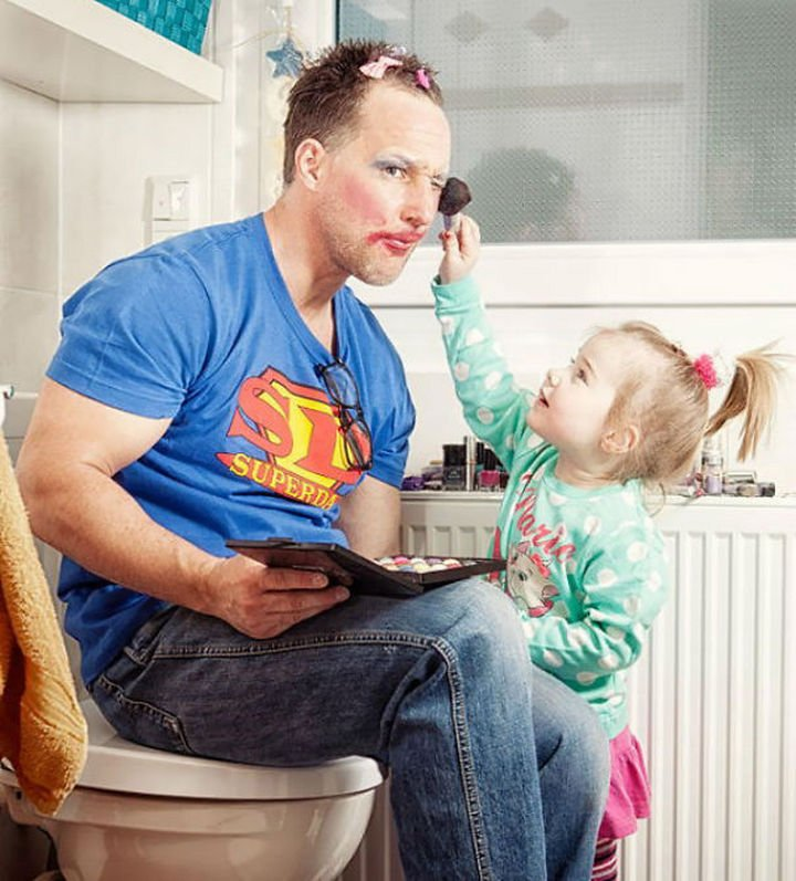 16 Super Dads Are Heroes to Their Kids - This fatherreally is Superdad for becoming a makeup model for his daughter.
