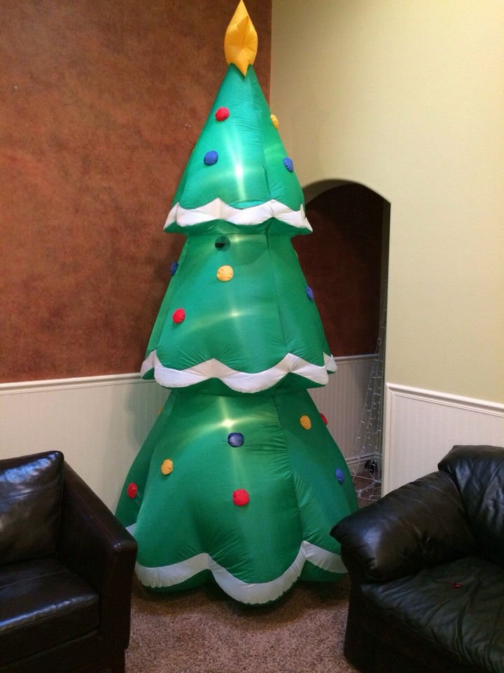 """16 Funny Dads - This dad who was asked to get a tree they """"didn"""