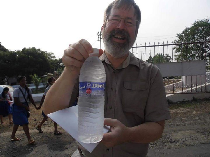 16 Funny Dads - This dad who finally got the diet water he always wanted.