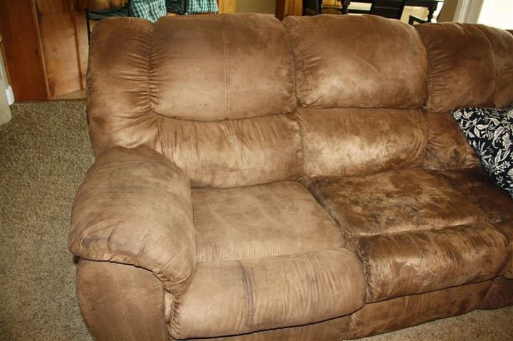 35 House Cleaning Tips - How to clean your microfibre couch.