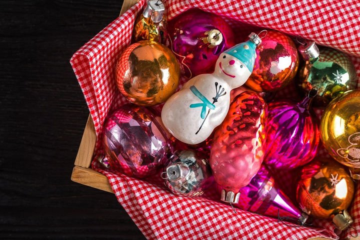 22 Handy Silica Gel Uses - Preserve your Christmas ornaments by keeping them dry.