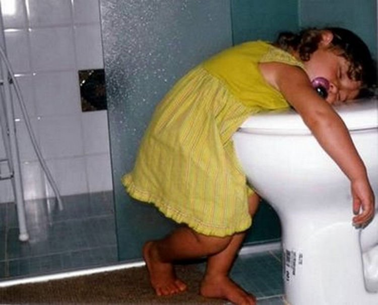 25 Kids Sleeping in the Strangest Places - Potty training will have to wait.