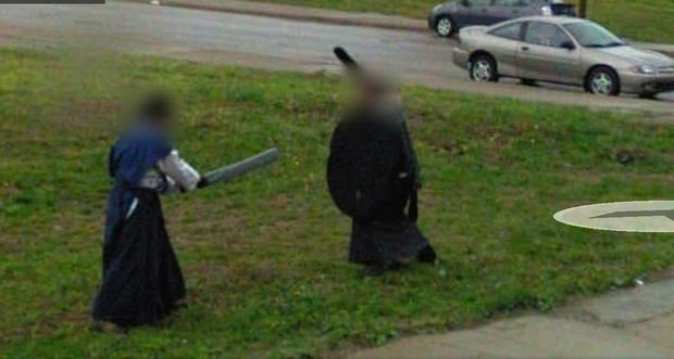 25 Weird Things Found on Google Maps - Just another sword fight in the city.