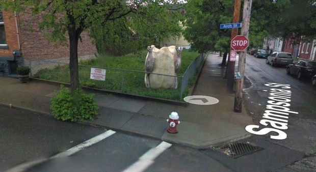 25 Weird Things Found on Google Maps - What is that!?