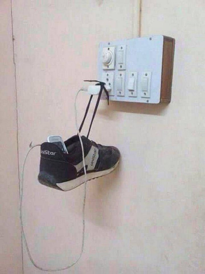51 Crazy Life Hacks - DIY phone charger stand.