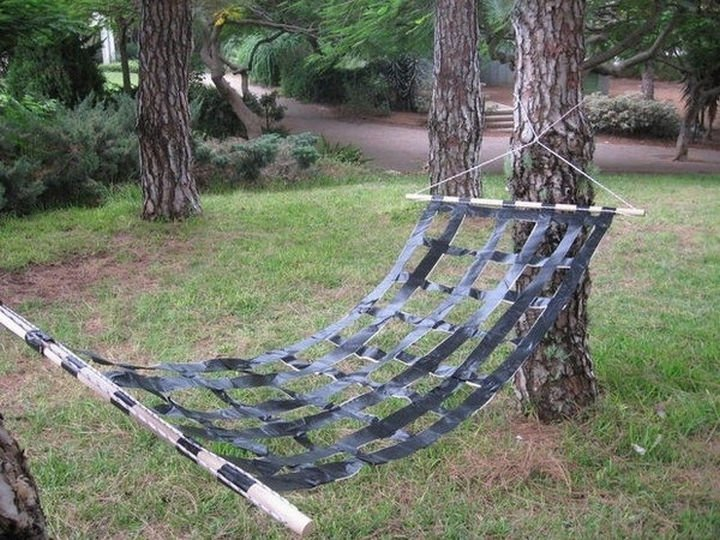 51 Crazy Life Hacks - Use duct tape to make a hammock.