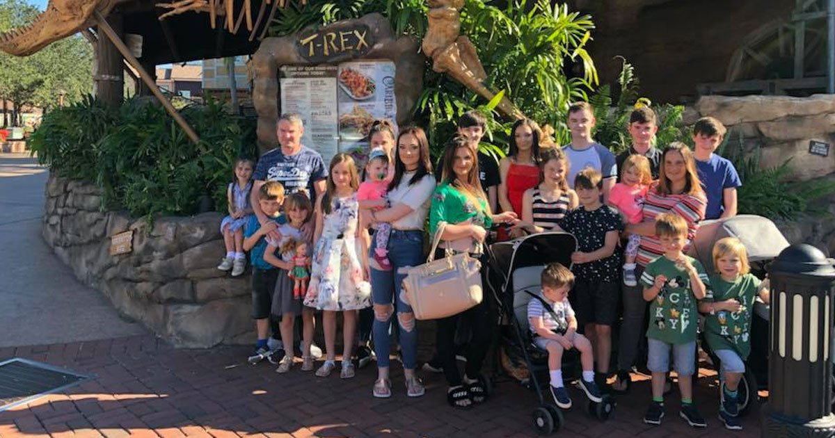biggest family britain.jpg?resize=412,232 - 'Super Mum' Sue Radford Welcomes Her 21st Child - Makes An Appearance On This Morning With Her Newborn