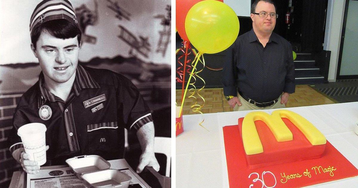 featured image 13.png?resize=412,232 - Un employé de McDonald's atteint de trisomie dont le dévouement a fait de lui une «icône» prend sa retraite après 32 ans de service
