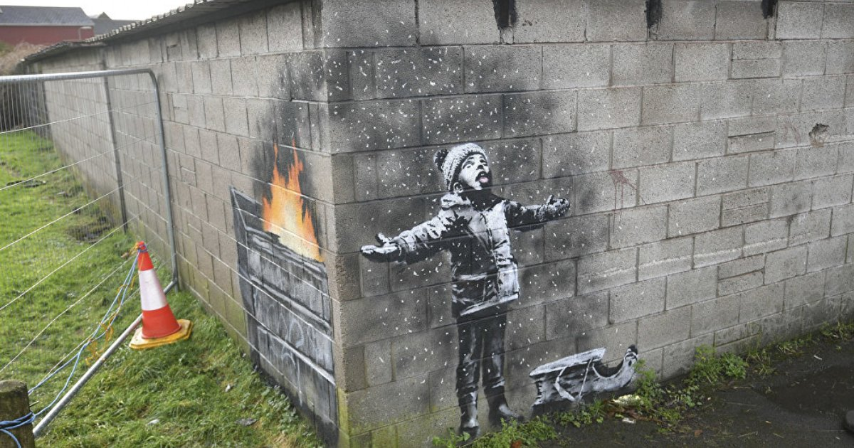 featured image 28.png?resize=300,169 - Street Artist Banksy Sends Haunting Environmental Message With New Holiday Mural
