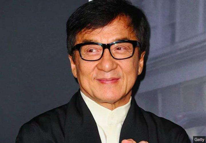 img 5c07e04f58b0b.png?resize=412,232 - Jackie Chan admet avoir trompé sa femme, payer des prostituées et avoir été un père violent