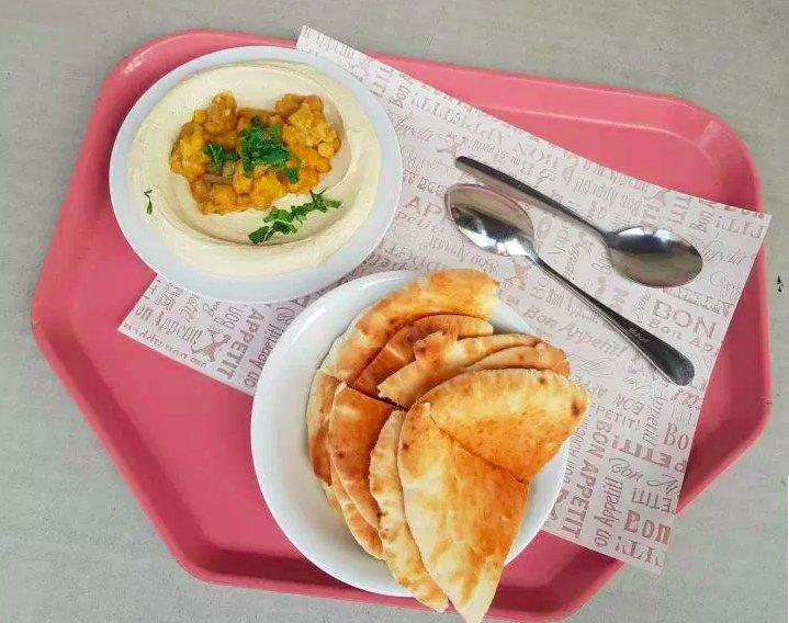 img 5c0e4a3d81c22.png?resize=412,232 - Au-delà des lieux saints : Où aller à Jérusalem si vous aimez la nourriture et la culture ?