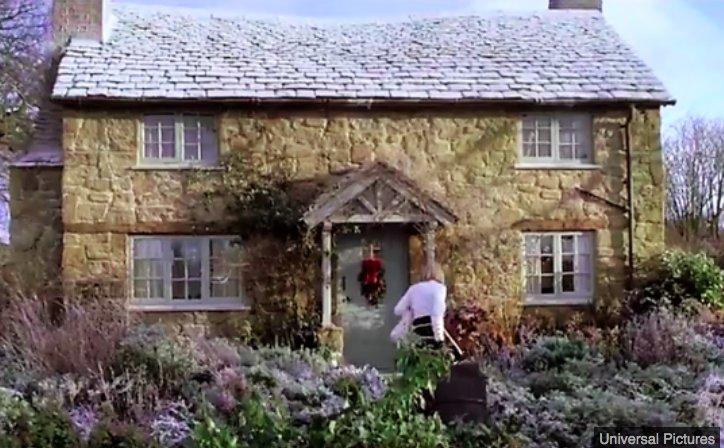 img 5c141c5f7ce22.png?resize=412,232 - Le cottage qui a inspiré le film de Noël 'The Holiday' est en vente
