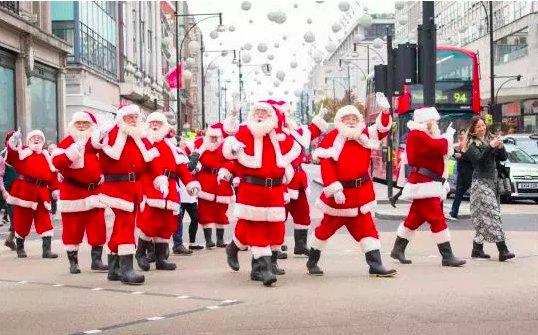 img 5c196063e176e e1545167067177.png?resize=412,232 - Envie d'une nouvelle carrière ? Vous pouvez devenir le Père Noël parfait à l'école du Père Noël.