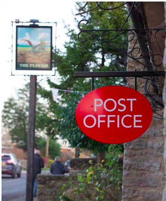img 5c196acd39fdc.png?resize=1200,630 - Ce pub anglais a ouvert un bureau de poste pour permettre à ses clients d'envoyer des lettres avant de boire