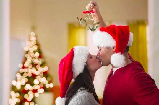 img 5c1c046de63e2.png?resize=412,232 - Qu'est-ce que le gui, où peut-on l'acheter et d'où vient la tradition de Noël ?