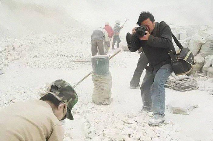 lu guang china xinjiang 001.jpg?resize=300,169 - Ce photojournaliste primé a disparu en Chine. Voici 21 de ses photos que la Chine préfèrerait que vous ne voyez pas.
