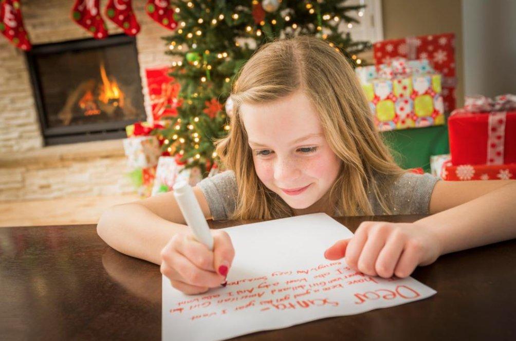 screen shot 2018 12 19 at 2 46 48 pm.png?resize=412,232 - 小女孩找聖誕老公公「討正常人的童年」 唯一願望:減少我爸的上班時間好嗎?