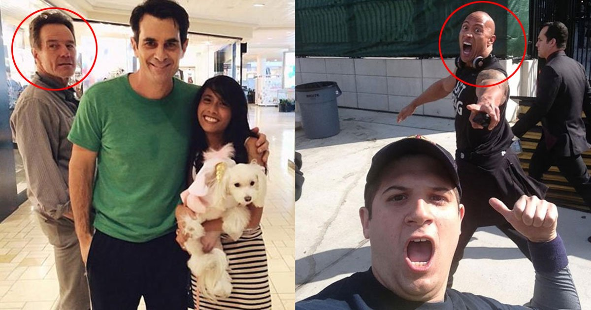 these celebrities and famous people photobombed pictures of ordinary people and it is hilarious to see.jpg?resize=412,232 - These Famous People Photobombed Pictures Of Ordinary People And It Is Hilarious To See