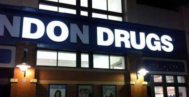 28 of the most hilarious neon sign fails ever 15 e1556006080865.jpg?resize=1200,630 - 30 Of The Most Hilarious Neon Sign Fails Ever