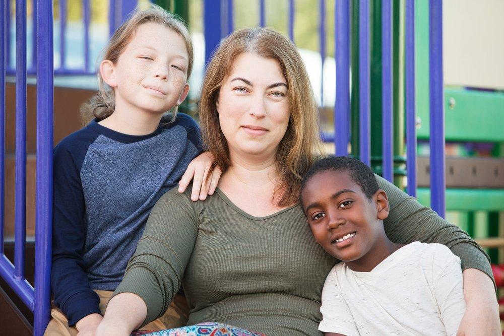 depositphotos 126531026 m 2015.jpg?resize=1200,630 - Persuadée qu'elle n'aurait jamais d'enfants biologiques, elle découvre d'autres façons d'être mère et raconte son histoire.