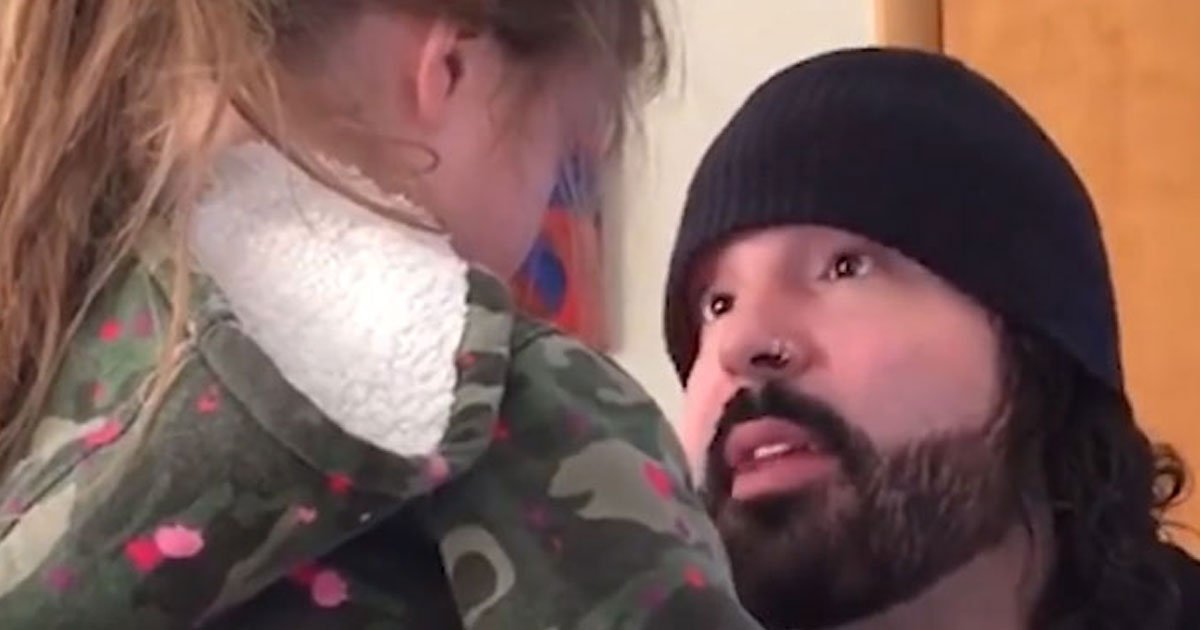 father advises daughter.jpg?resize=300,169 - Father's Advice To His Daughter On How To Deal With Anger - And We All Need To Follow This