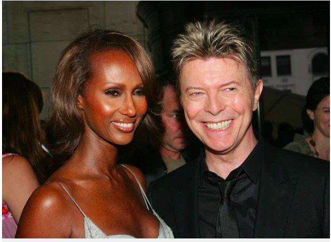 img 5c37b91ab31d5.png?resize=412,232 - Iman, la veuve de David Bowie, rend hommage au chanteur pour ce qui aurait été son 72e anniversaire.