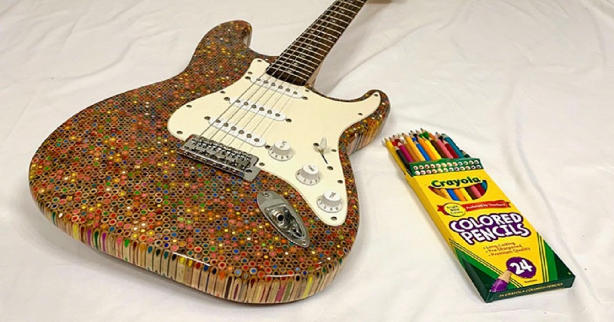 p3 3.jpg?resize=412,232 - This Guy Built An Awesome Electric Guitar Out Of 1200 Colored Pencils & Shows People How He Did It
