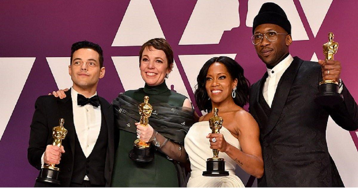 m4.jpg?resize=412,232 - Rami Malek tombe de scène peu de temps après avoir reçu son Oscar du meilleur acteur