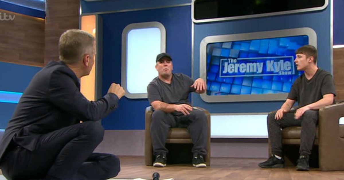 teen sleeps dad girlfriend.jpg?resize=412,232 - 18-Year Old Admits Sleeping With Dad's Girlfriend On The Jeremy Kyle Show