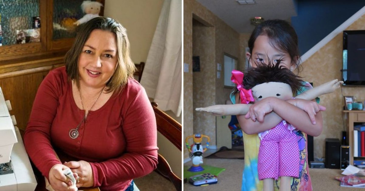 untitled design 73 1.png?resize=300,169 - Une femme d'affaires fabrique des poupées personnalisées qui reflètent les handicaps des enfants