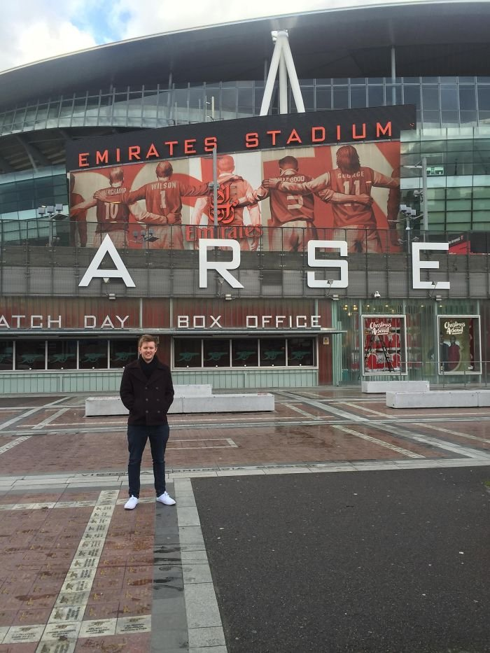 Girlfriend Said She Would Take A Pic Of Me Outside The Emirates Stadium