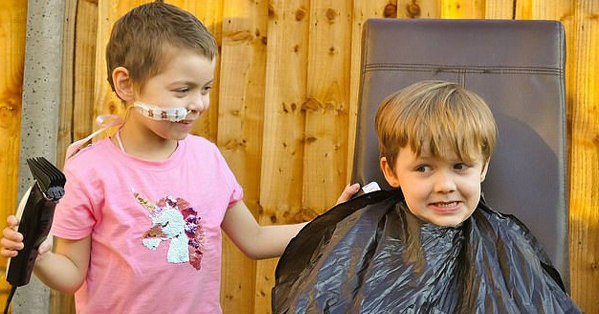 boy raises money best pal.jpg?resize=412,232 - Little Boy Shaves Off His Hair To Raise Money For His Best Friend With Rare Cancer