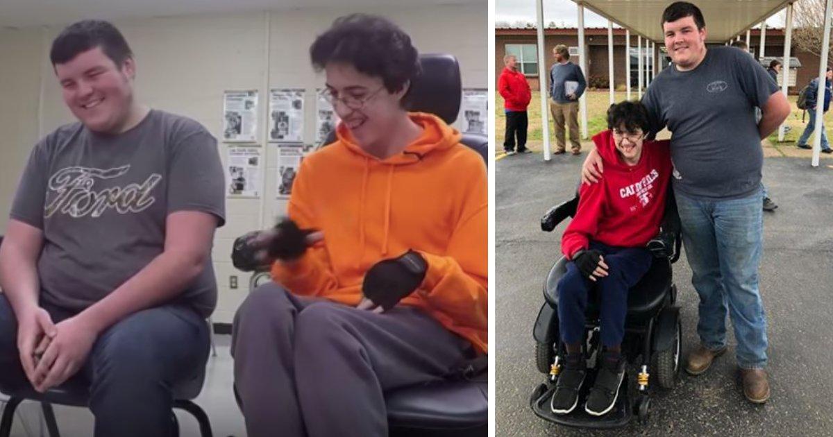 d2 1.png?resize=412,232 - Un adolescent économise de l'argent continuellement pendant 2 ans pour acheter un fauteuil roulant électrique à son ami